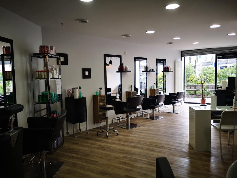 EXCLUSIVITE : À vendre 89000 € à Darnétal (76) : de 80m2 Salon de coiffure. - Photos