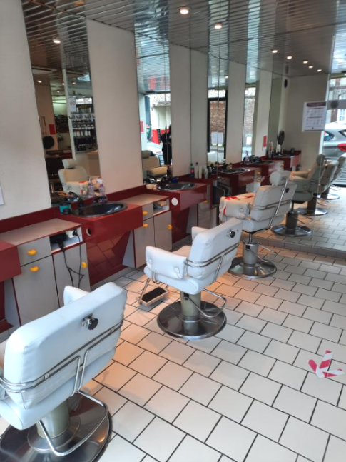 EN EXCLUSIVITE - SALON DE COIFFURE 50m2 en vente 45000 € à Malaunay - Photos